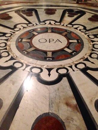Piso interior do Duomo